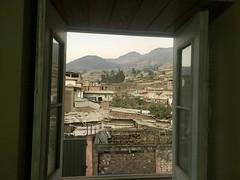 Blick auf Canta aus dem Fenster von der Unterkunft
