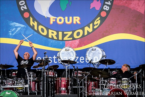 """Four Horizons - 2000 drummers at sea • <a style=""""font-size:0.8em;"""" href=""""http://www.flickr.com/photos/49926820@N08/42791564180/"""" target=""""_blank"""">View on Flickr</a>"""