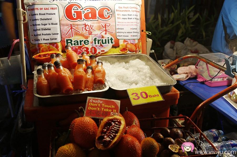 [泰國清邁]南門週六夜市.清邁周六夜市~吃喝玩樂通通有.綿延攤販看不見盡頭 @VIVIYU小世界