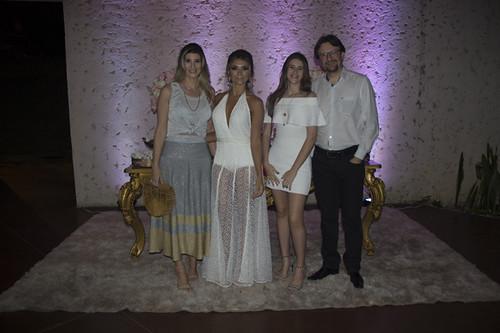 Riane e Máurisson Moraias, com Lorena