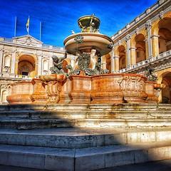 Fontana nella Piazza della Madonna