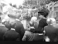 La màquina del temps. Desenes de tianencs han viatjat ja fins la inauguració del #tramvia l'any 1916. I tu? Fins diumenge, a la sala d'exposicions del Casal. #sompoble #Tiana