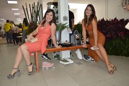 Alessandra e Laryssa, no espaço Cash2