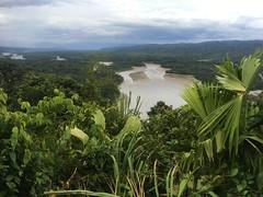 """Aussicht von """"Mirador Atalaya"""" auf den Fluss Madre de Dio"""