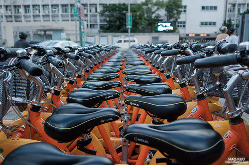 滿滿的大單車。