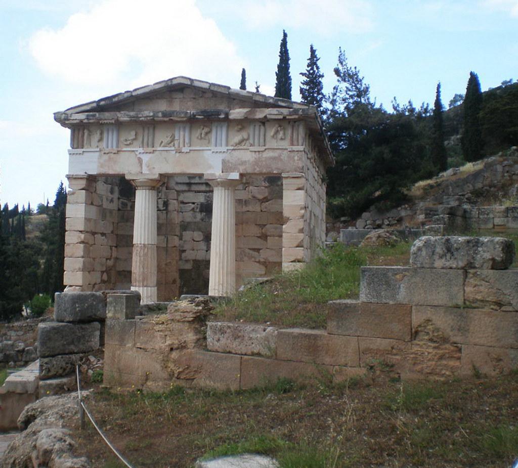 Grecia Oraculo de Delfos Tesoro de los atenienses 14