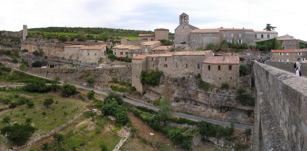 Minerva-Casas colgadas-Francia 11 panoramica