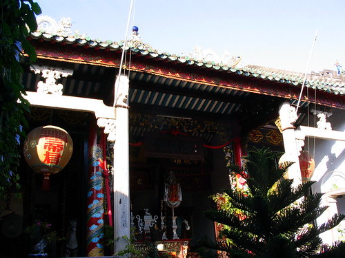 Cantonese Temple in Hoi An.jpg