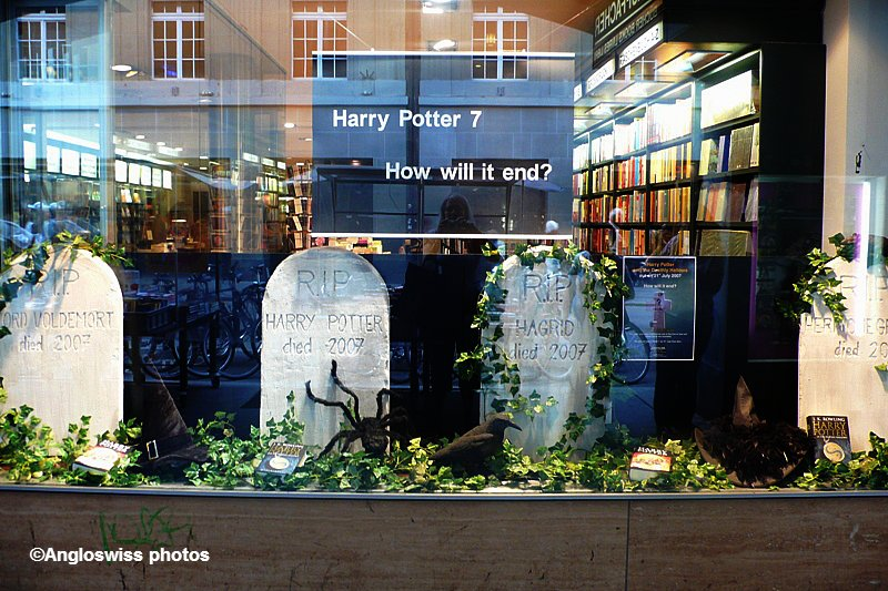 Bookshop Staffacher, Bern - Harry Potter sends his greetings