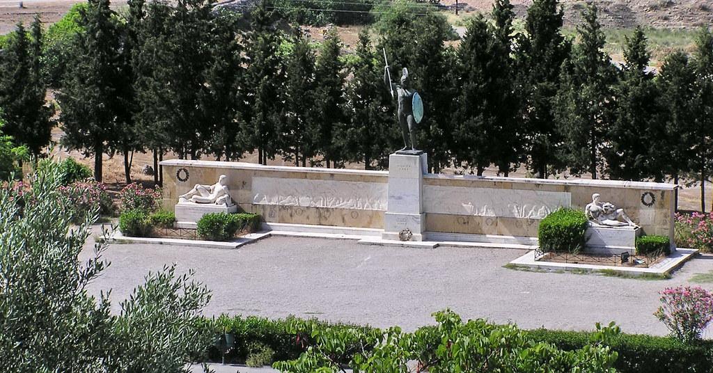 Grecia Monumento Paso de las Thermopilas 03