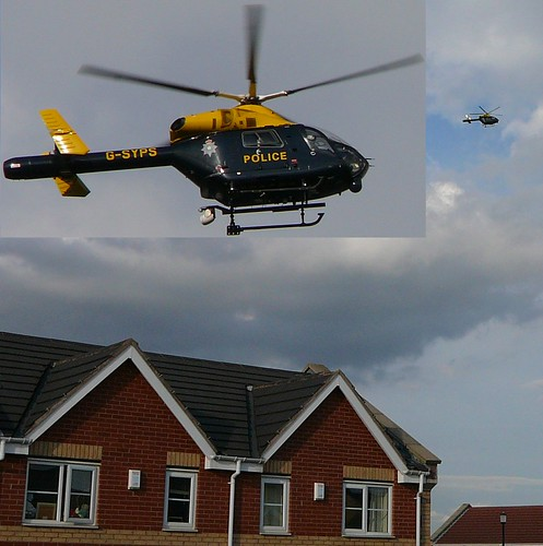 SY99 South Yorkshire Police helicopter, picture by andy2boyz used under the Creative Commons license