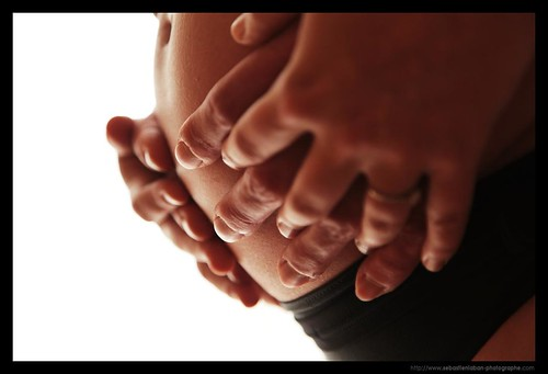 PREGANCY / GROSSESSE : Hands