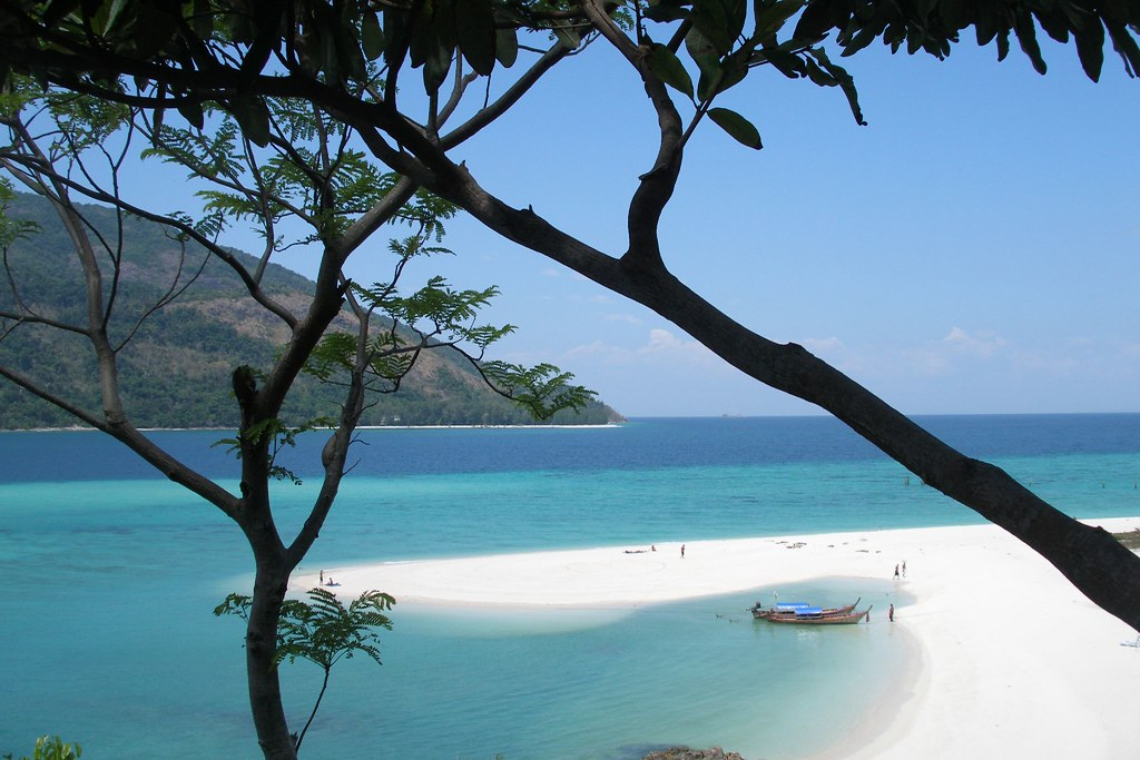 Koh Lipe beach