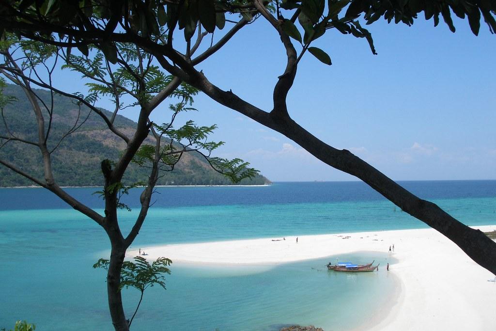 Koh Lipe beach