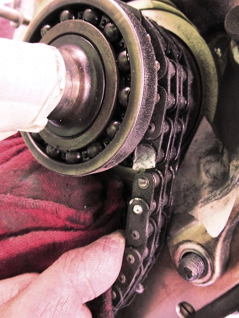 Cutting Front Plate of Link in Timing Chain