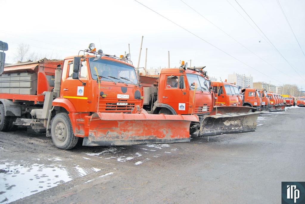 КДМ готовы выехать на уборку улиц Красноярска при любом снегопаде