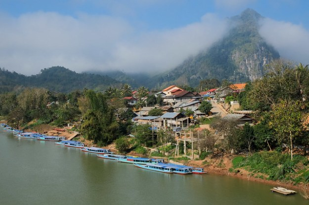 The fog lifts. Nong Khiaw
