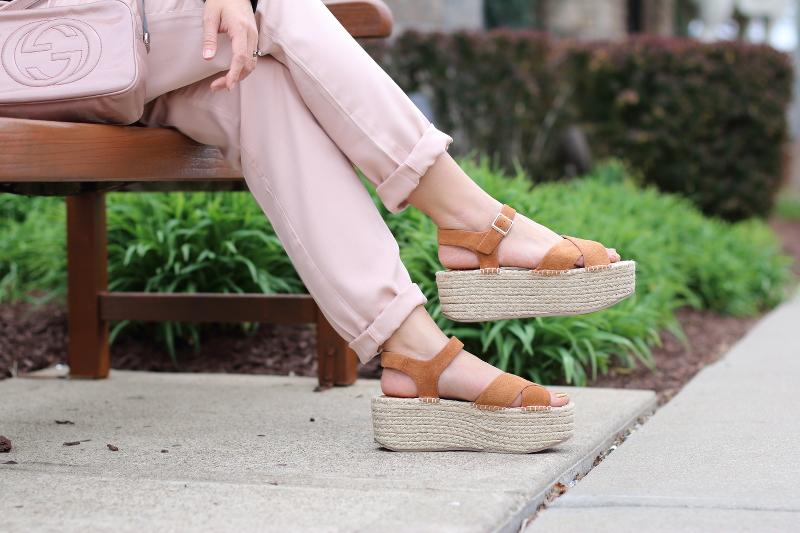 platform-sandals-blush-pants-gucci-soho-bag-7