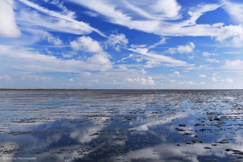 水藍色的遠望(an indistinct view of blue sky)