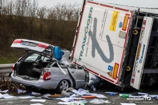 Schwerer Lkw-Unfall A3 Bad Camberg 01.03.16