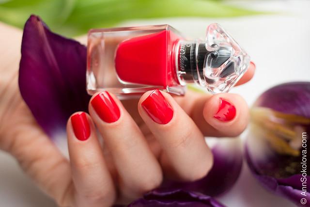 04 Guerlain La Petite Robe Noire Nail Colour #003 Red Heels swatches Ann Sokolova
