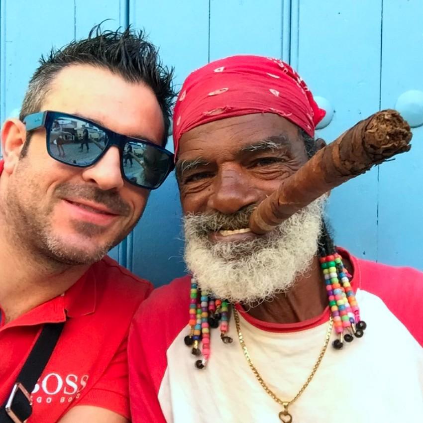 visita a la fábrica de puros de La Habana: Fabrica de Puros de La Habana en Cuba fábrica de puros de La Habana Visita a la fábrica de puros de La Habana en Cuba 25726862373 a726a98df1 b