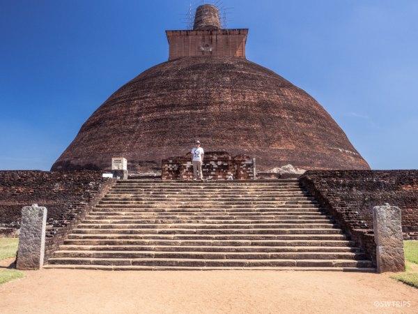 Abhayagiri Vihara - Anuradhapura, Sri Lanka.jpg