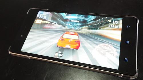 เกม Need for Speed: No Limits บน Lenovo Vibe Shot