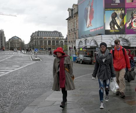 16c29 Louvre y alrededores tarde lluviosa_0084 variante Uti 465