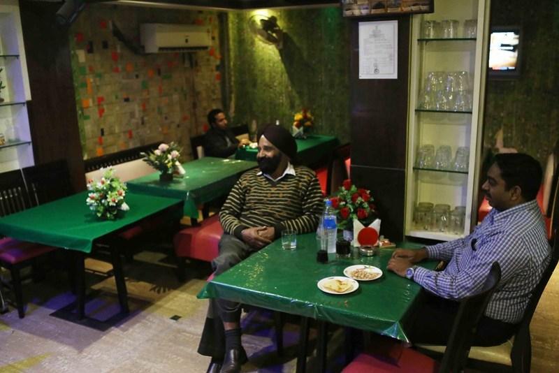 City Hangout - Green Chilli & Other Bars, Paharganj