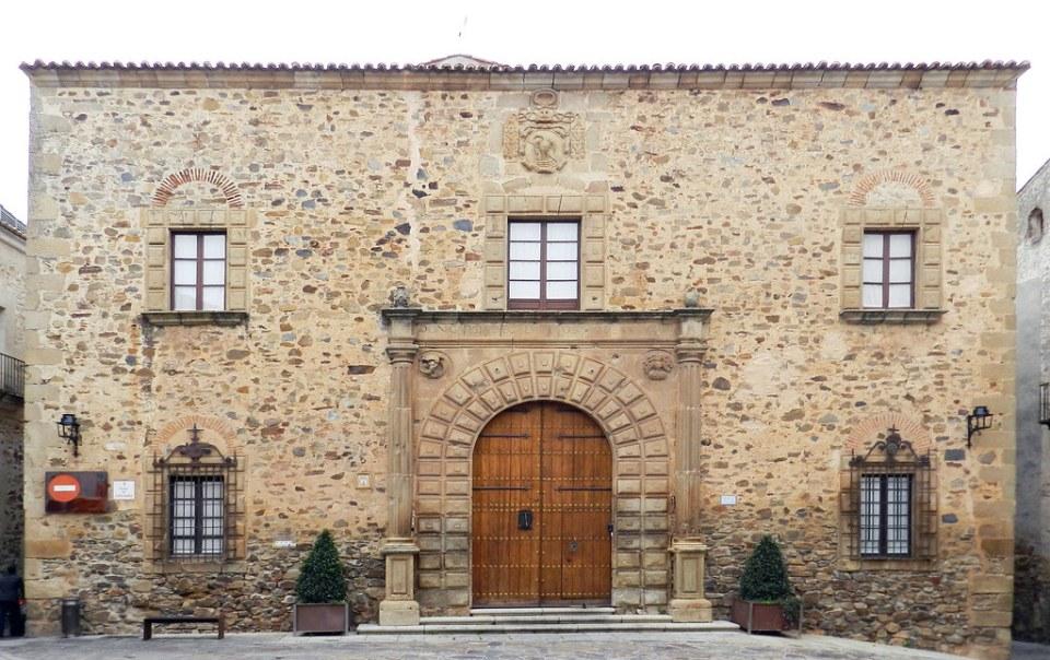 Palacio episcopal Plaza de Santa Maria Caceres 01