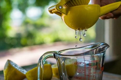 a squeeze of lemon