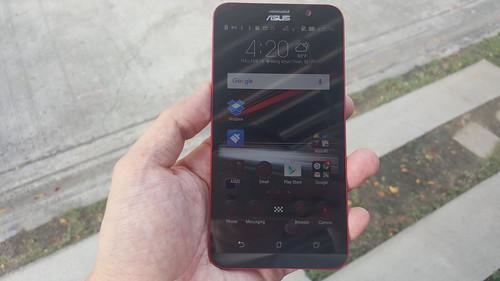 ASUS Zenfone 2 Deluxe Special Edition ด้านหน้า