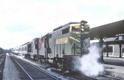 GTW GP9 4952