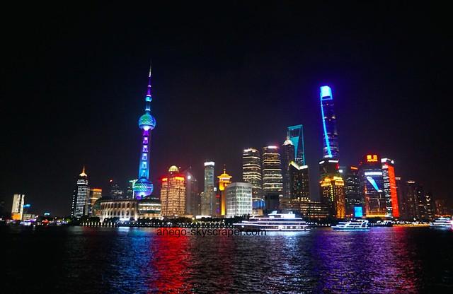 上海・外灘からの眺めといえばこれかな