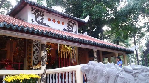 Den Hung Temple