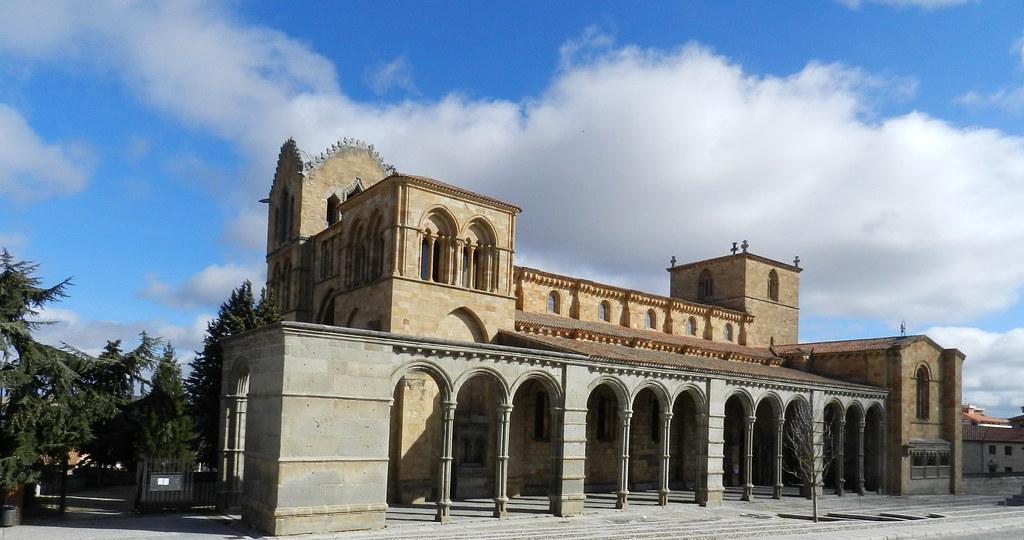 Exterior Basilica de San Vicente Avila 05