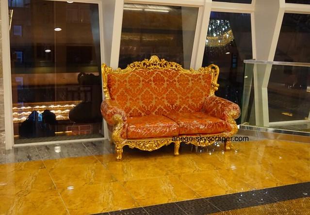 ベストウェスタン キンキラキンの椅子