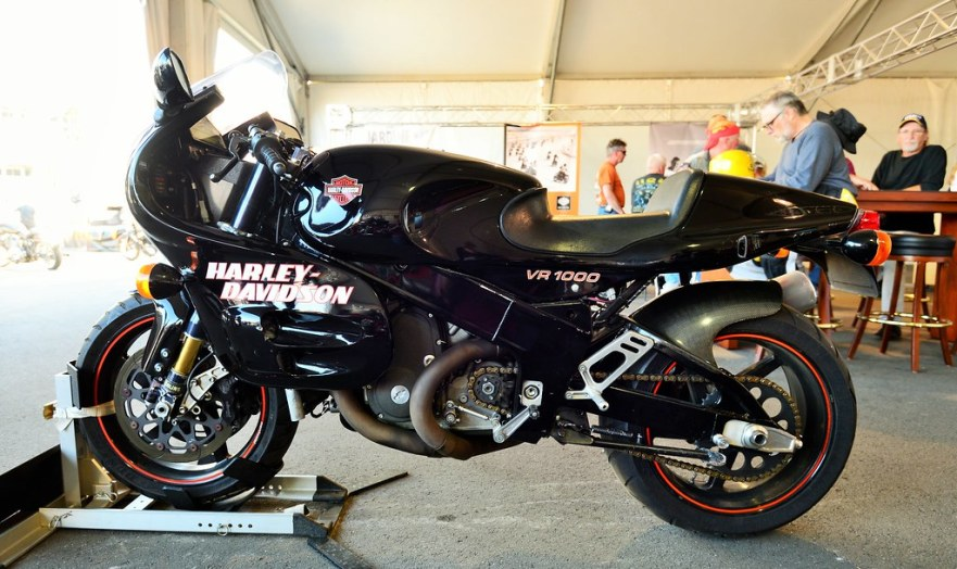 HD VR1000 street at the Speedway show