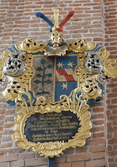 Escudos Heráldicos Iglesia Luterana de San Pedro Riga Letonia 07