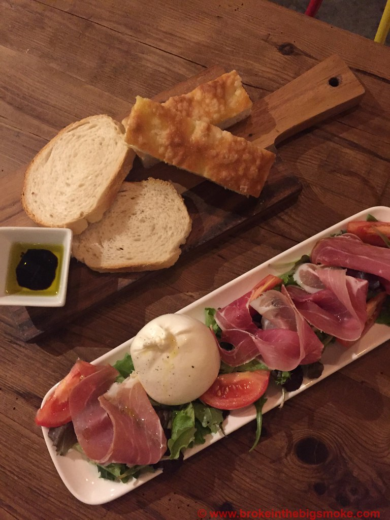Pasta Remoli Finsbury Park Starters - bread burrata and parma ham