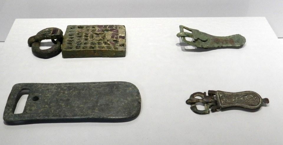 Broche de cinturon arte visigodo Casa de las Veletas Museo Provincial Caceres 04