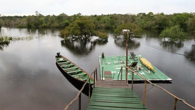 amaon tupana lodge dock