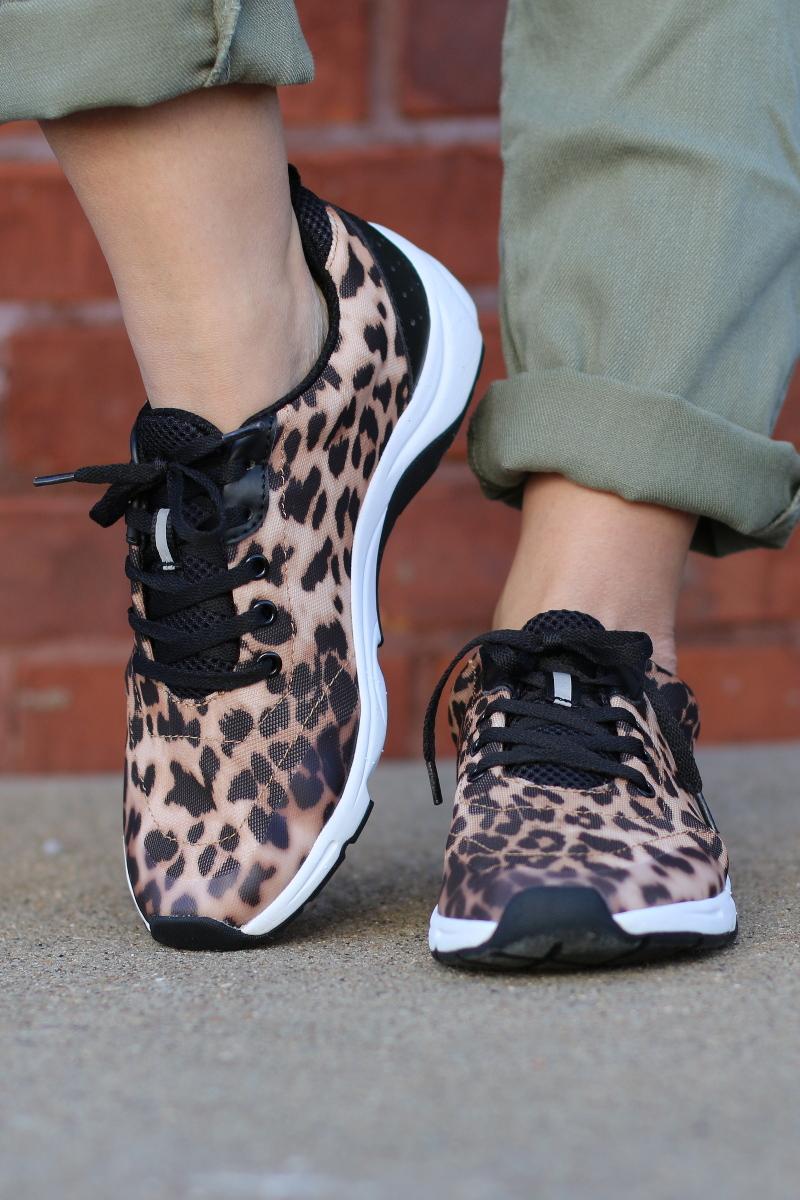 Vionic-leopard-sneakers-4