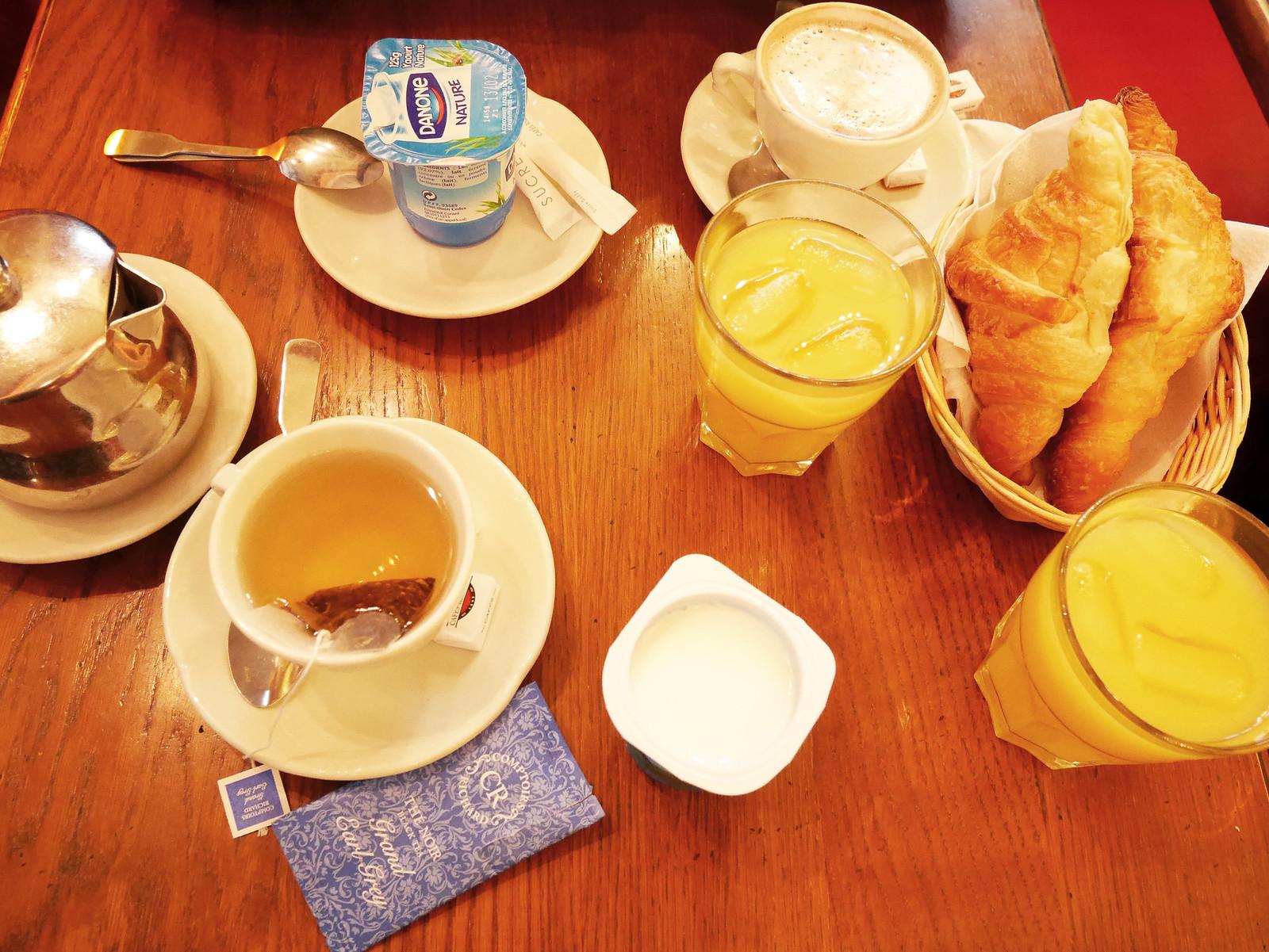 cafe_pierre_petit_dej