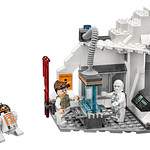 LEGO Star Wars 75098 Ultimate Collector's Series Assault on Hoth 12