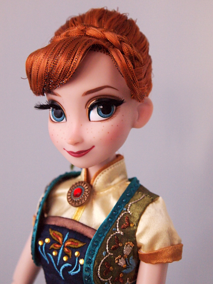 Frozen fever Anna nukke