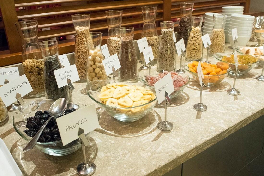 cereal-fruit-breakfast-hotel-valluga