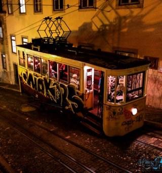 Lissabon historische Strassenbahn