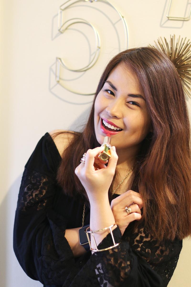 Elizabeth-Arden-moisturizing-lipstick-4